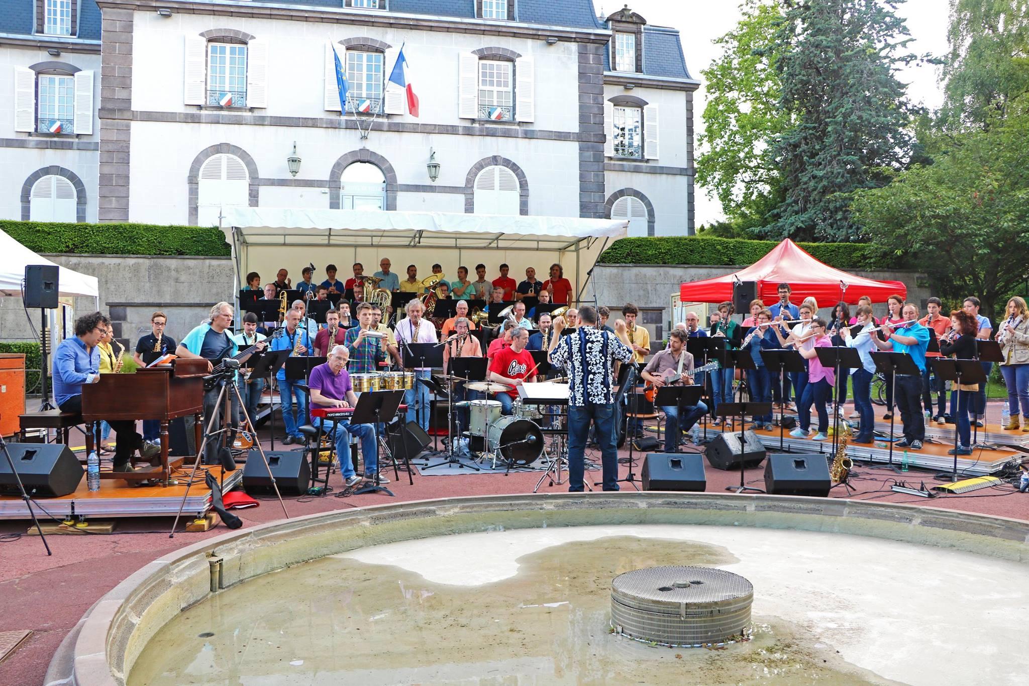 Concert multicolor feeling fanfare le 11 juin 2016 au parc Montjoly avec en plus de l'harmonie : Big Stuff Trio, orchestre junior, atelier jazz, big band