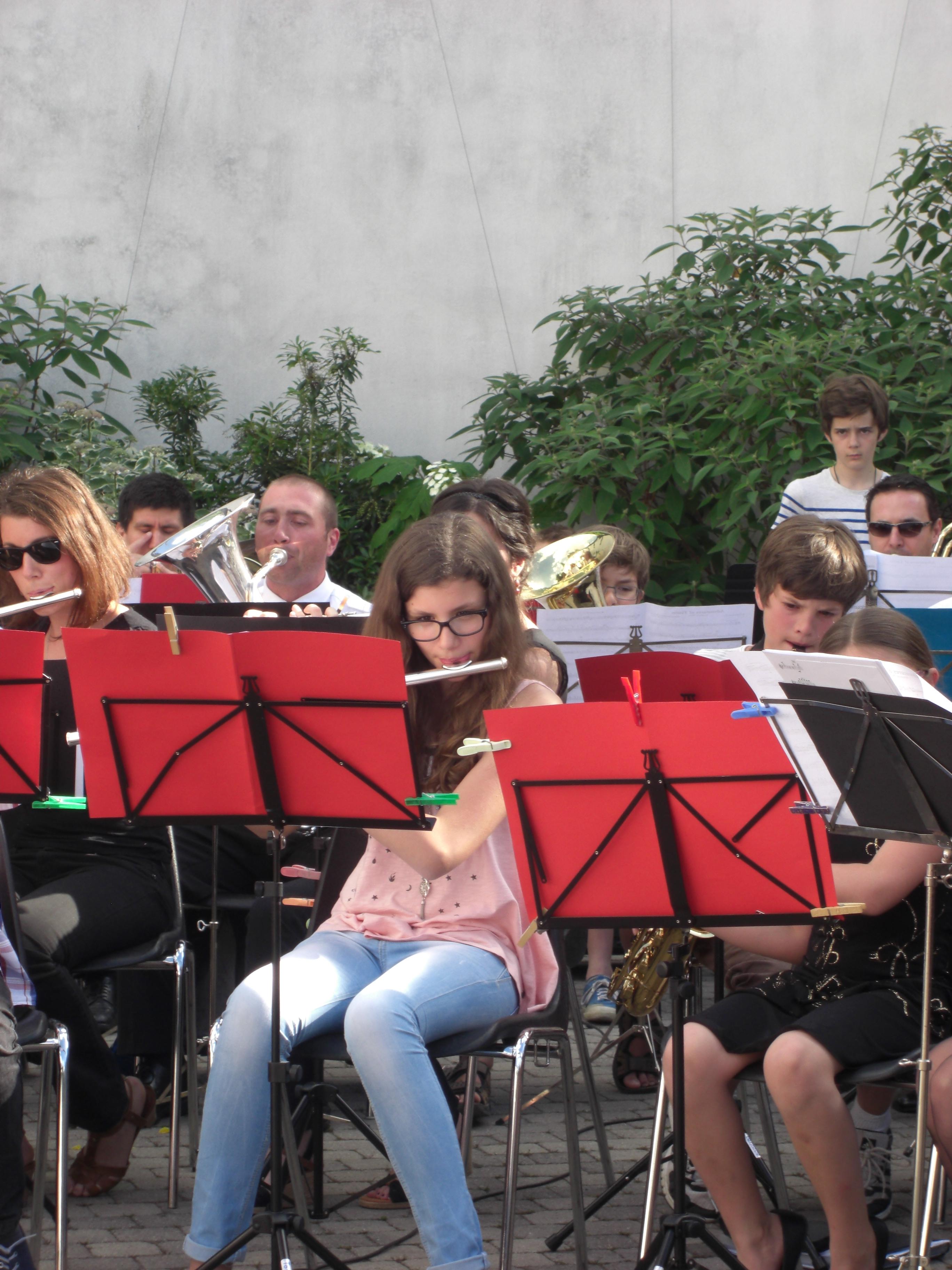 Fête musique 2015 morceau Tintin joué avec l'orchestre junior